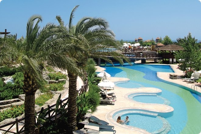 Sherwood Breezes Resort (79.83КиБ)