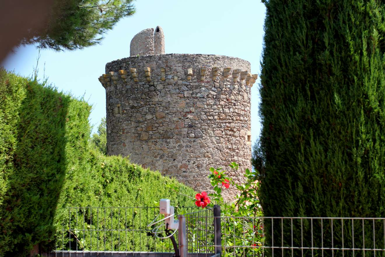 Torre Vall Xirau (184.71КБ)