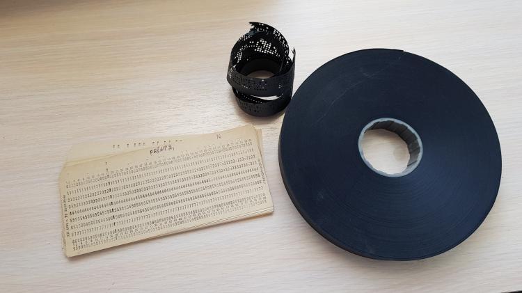 Чёрная перфолента (94.73КиБ)